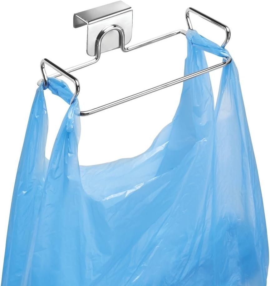 mDesign Soporte para bolsas de residuos - Como reemplazo para el cesto de basura y contenedores de reciclaje - Fácil de colocar, con ganchos para colgar - De gran utilidad para cocinar - En acero con