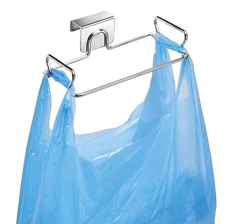 mDesign Soporte para bolsas de residuos - Como reemplazo para el cesto de basura y contenedores de reciclaje - Fácil de colocar, con ganchos para ...
