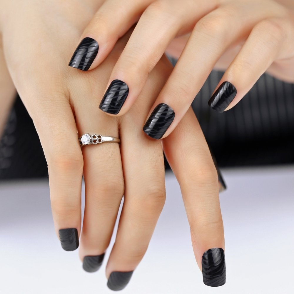 Amazon.com: Bling Art False Nails French Manicure Black Matte Zebra Medium Tips UK: Health & Personal Care