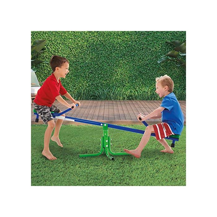 61b8Ztq%2BYEL Balancín Aktive Sports recomendado para niños mayores de 3 años, adecuado para instlar al aire libre, usar bajo la supervisión de un adulto Medidas, balancín: 151 cm de ancho x 54 cm de profundidad x 33 cm de alto; asientos: 21x21x4 cm, soporta un peso máximo de 60 kg Estable y duradero, estructura de aluminio resistente con 4 patas de 55x55x35 cm para mayor estabilidad y asientos de PVC robustos con protección UV