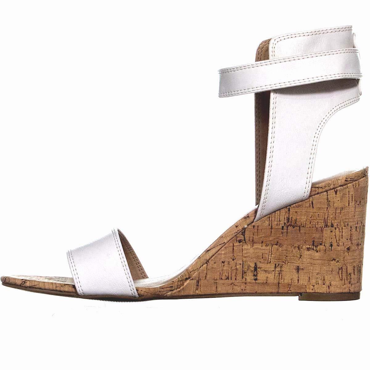 Size 6.0 White Pu American Rag Womens Aislinn Open Toe Casual Platform Sandals