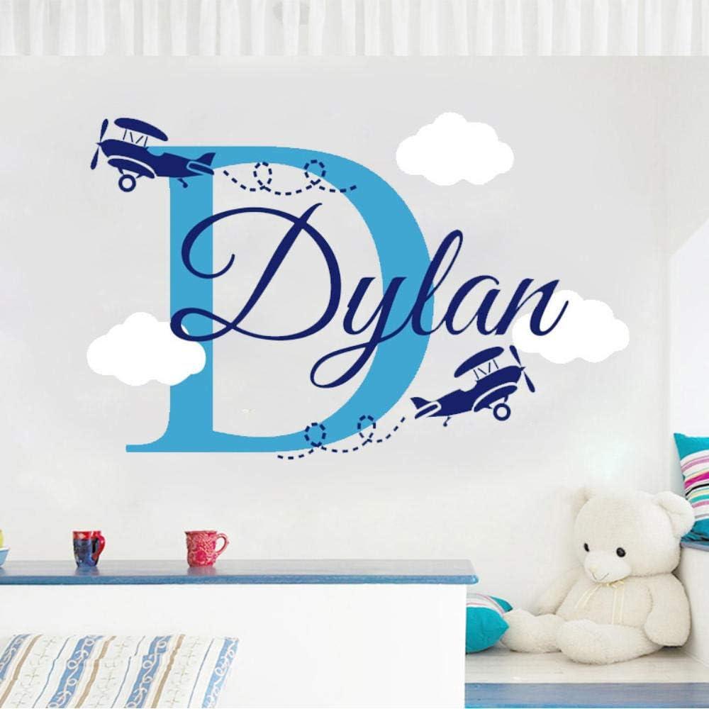 TTbaoz Aviones con nubes Nombre personalizado de los niños Calcomanía de avión Decoración de la habitación de los niños Decoración de la habitación de los niños Etiqueta de la pared de vinilo 40X63Cm