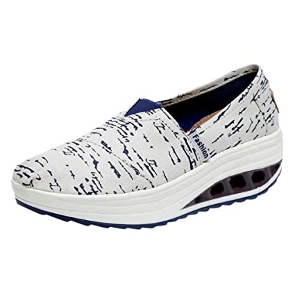 a10cce94e74 Amazon.com   GIANTHONG Womens USA Flags Shoes Patriotic Boat Shoes Walking  Jogging Sports Running Shoes   Sports   Outdoors
