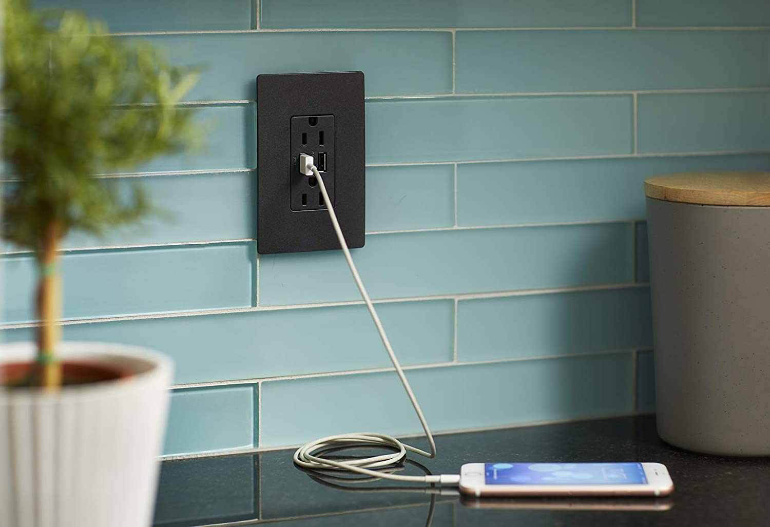 Pass /& Seymour radiant TM826USBGCCV4 USB Charger Outlets with Duplex Tamper-Resistant 15A Wall Power Outlets for Charging Smartphones /& Tablets Legrand Graphite