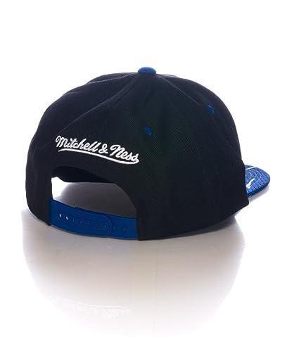 Amazon.com  Mitchell And Ness Ny Knicks Snapback Cap  Sports   Outdoors 3c61df1692a