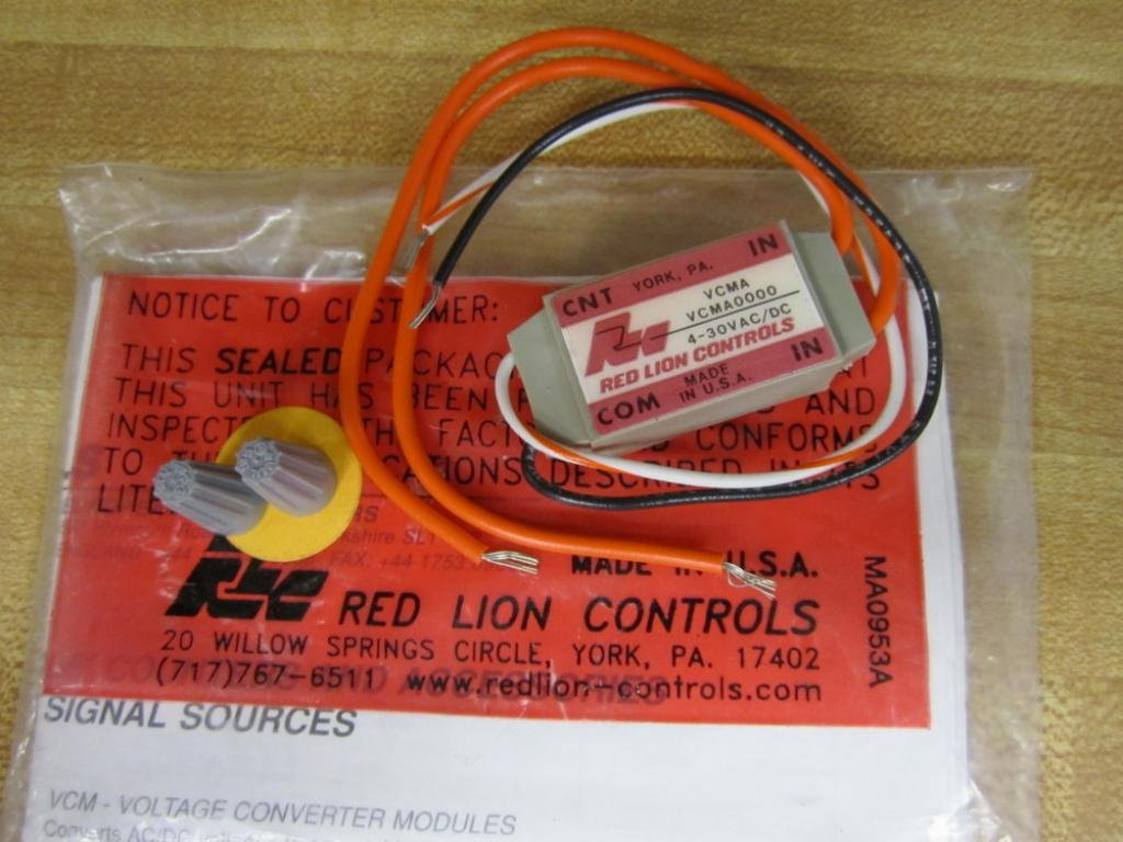 NEW IN PACKAGE RED LION CONTROLS VOLTAGE CONVERTER MODULE VCMA0000