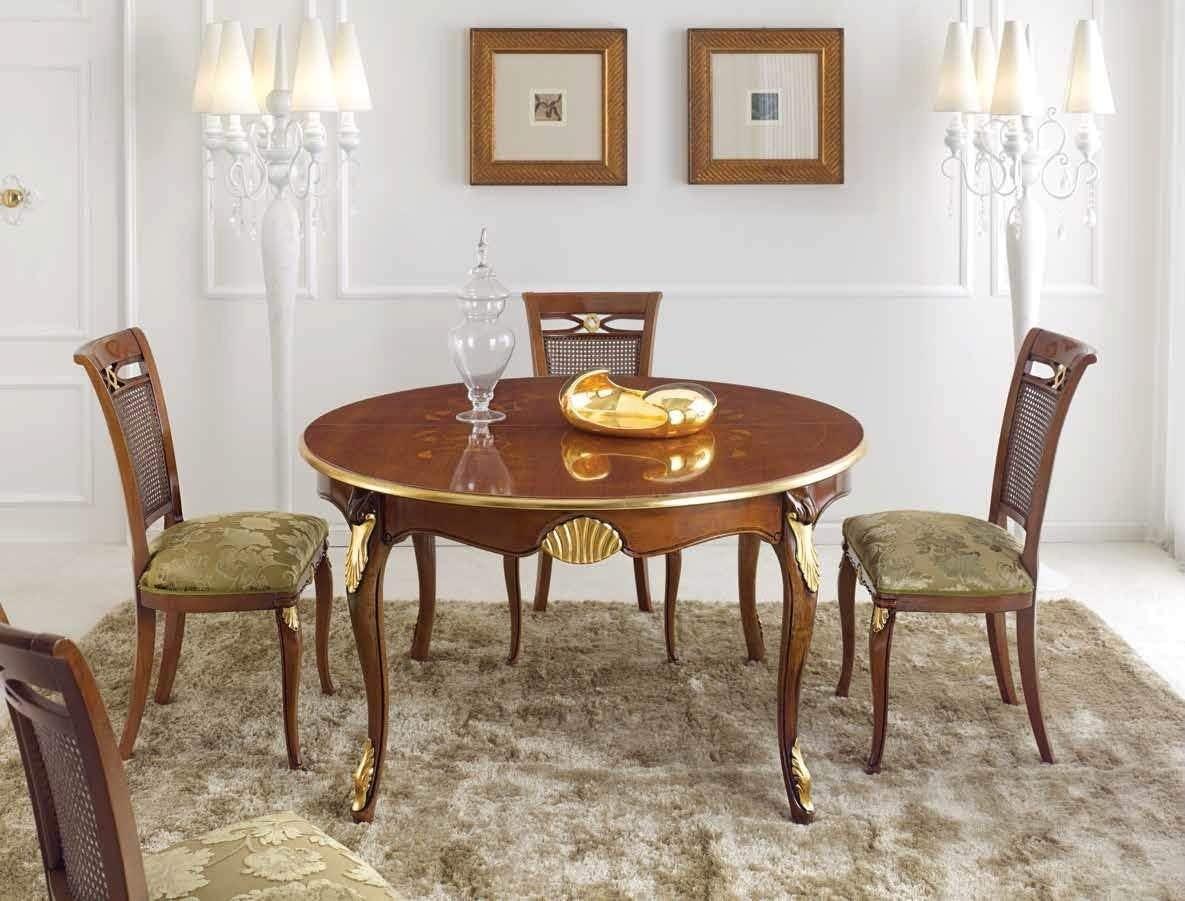 Mesa con sillas de estilo clásico nogal oscuro y acabados ...