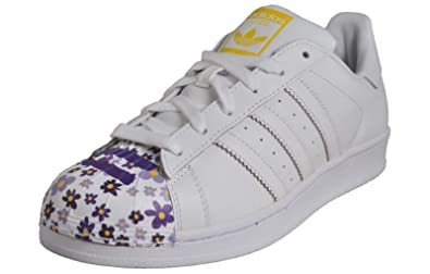 new products e3a29 cdabc Adidas Originals Superstar Pharrell Williams Hommes Baskets Blanc Blanc Jaune  44  Amazon.fr  Chaussures et Sacs