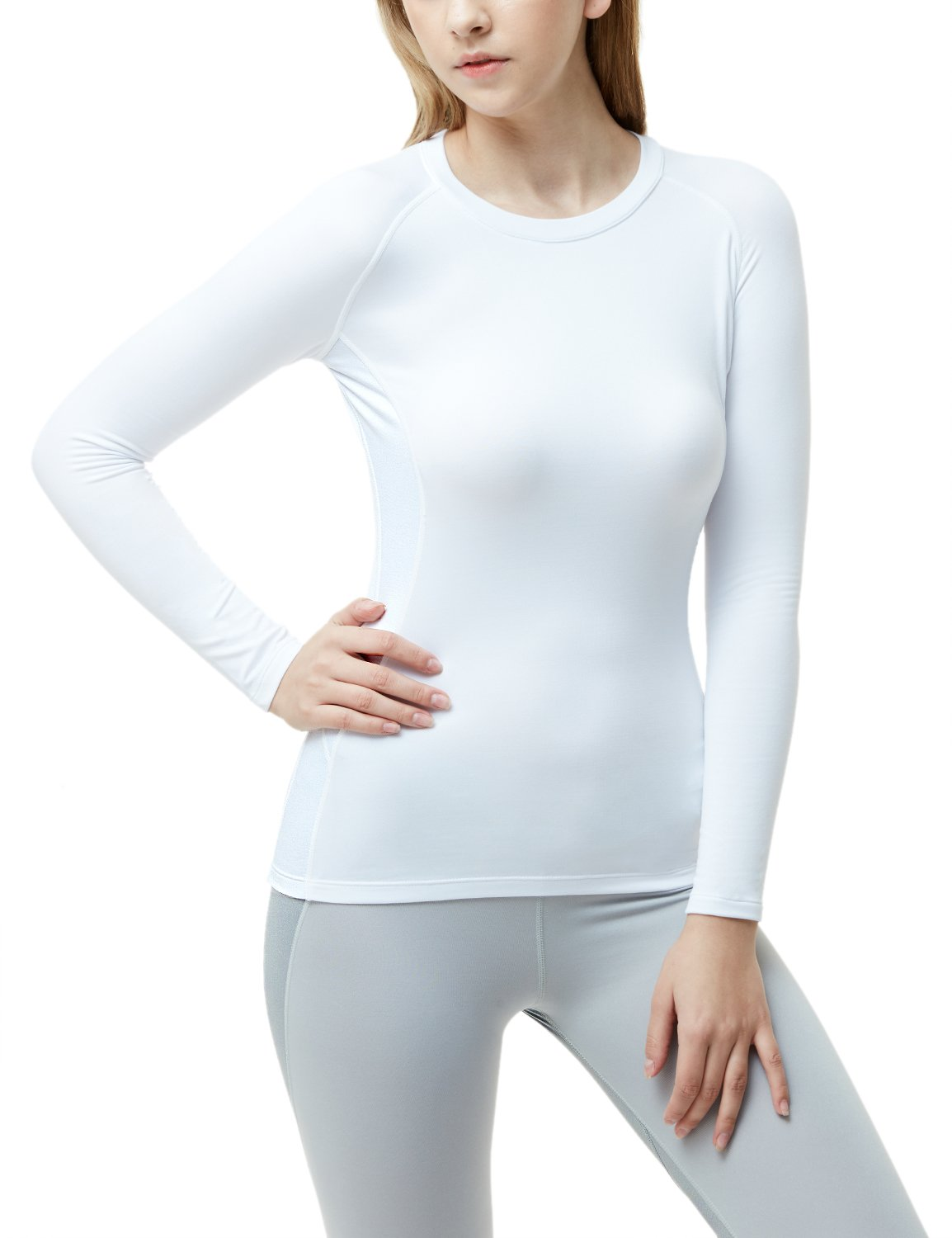 Best Rated in Women s Sports Compression Tops   Helpful Customer ... 09b551b15