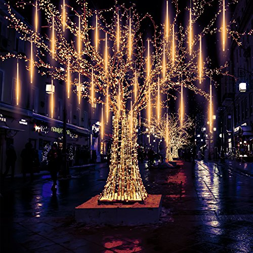Decorate Outdoor Trees With Lights