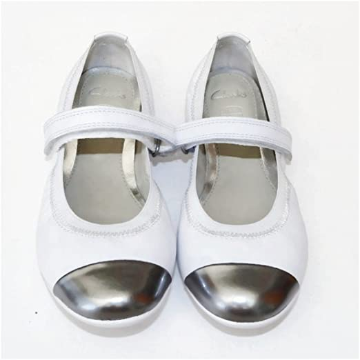f377ddf538 Clarks girls Dance Bee white ballet pumps shoes size 9 G: Amazon.co.uk:  Shoes & Bags