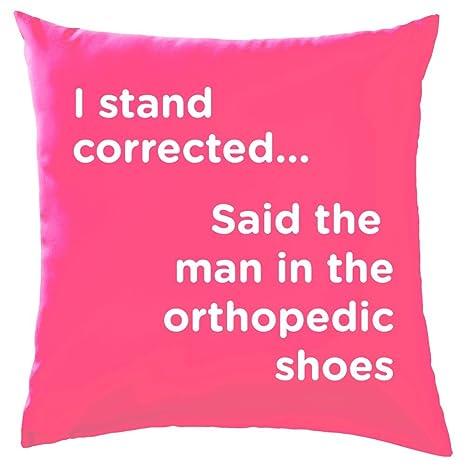 I soporte corregida, dice el hombre en la zapatos ...