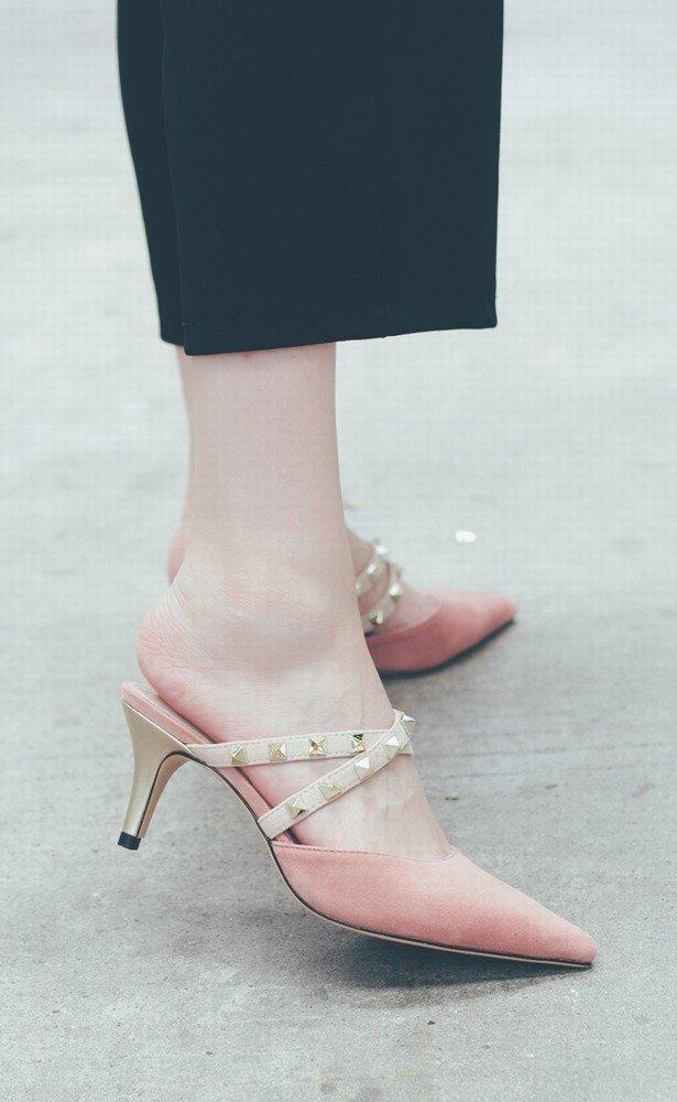DHG Hochhackige, Spitze Damenschuhe mit Nieten, Fein mit Baotou Baotou mit Mulei-Schuhen, Frauen-Sandalen,Nackt,36 - 64c628