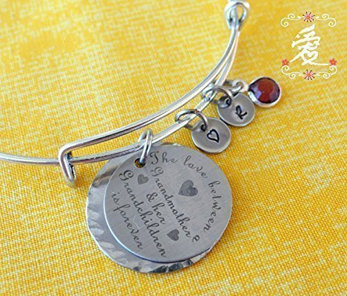 The love between a grandmother and her grandchildren is forever bracelet//keychain