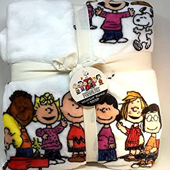 Amazon Com Berkshire Blanket Peanuts Snoopy And The