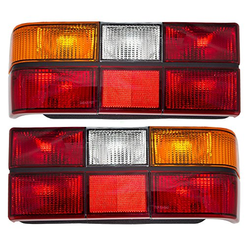 Driver and Passenger Taillights Taillamps Lenses with Black Trim Replacement for Volvo 13724497 13724505 AutoAndArt ()