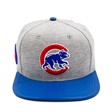 Pro Standard Men s MLB Chicago Cubs Alternate Club Logo Strapback ... 1752848d785
