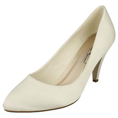 80bdaa9241cb Ladies L2997 Ivory satin low heel wedding court shoe (UK 5): Amazon ...