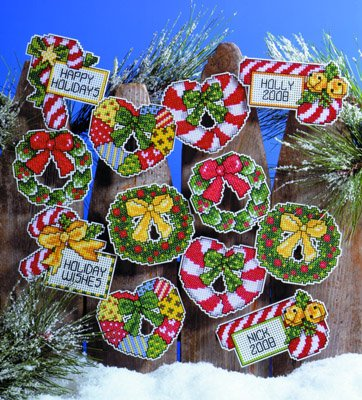 Design Works Crafts Christmas Wreaths, 2-1/2