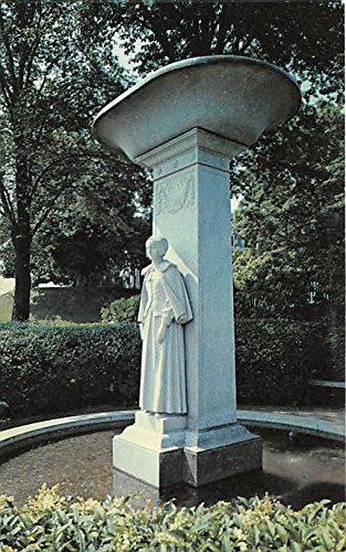Memorial Fountain to Pilgrim Women of the Mayflower Plymouth Massachusetts Postcard