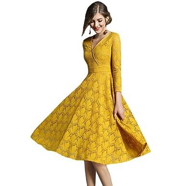 Robe longue en dentelle jaune