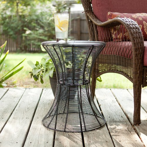 SEI 18.5-Inch Indoor/Outdoor Round Metal Accent Table, Black