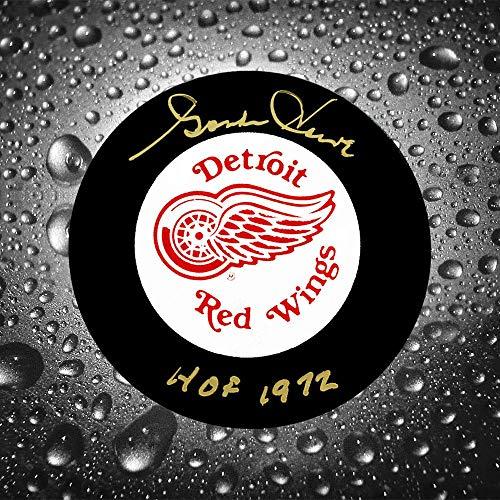 Gordie Howe Detroit Red Wings HOF Autographed Puck UDA Upper Deck Authenticated