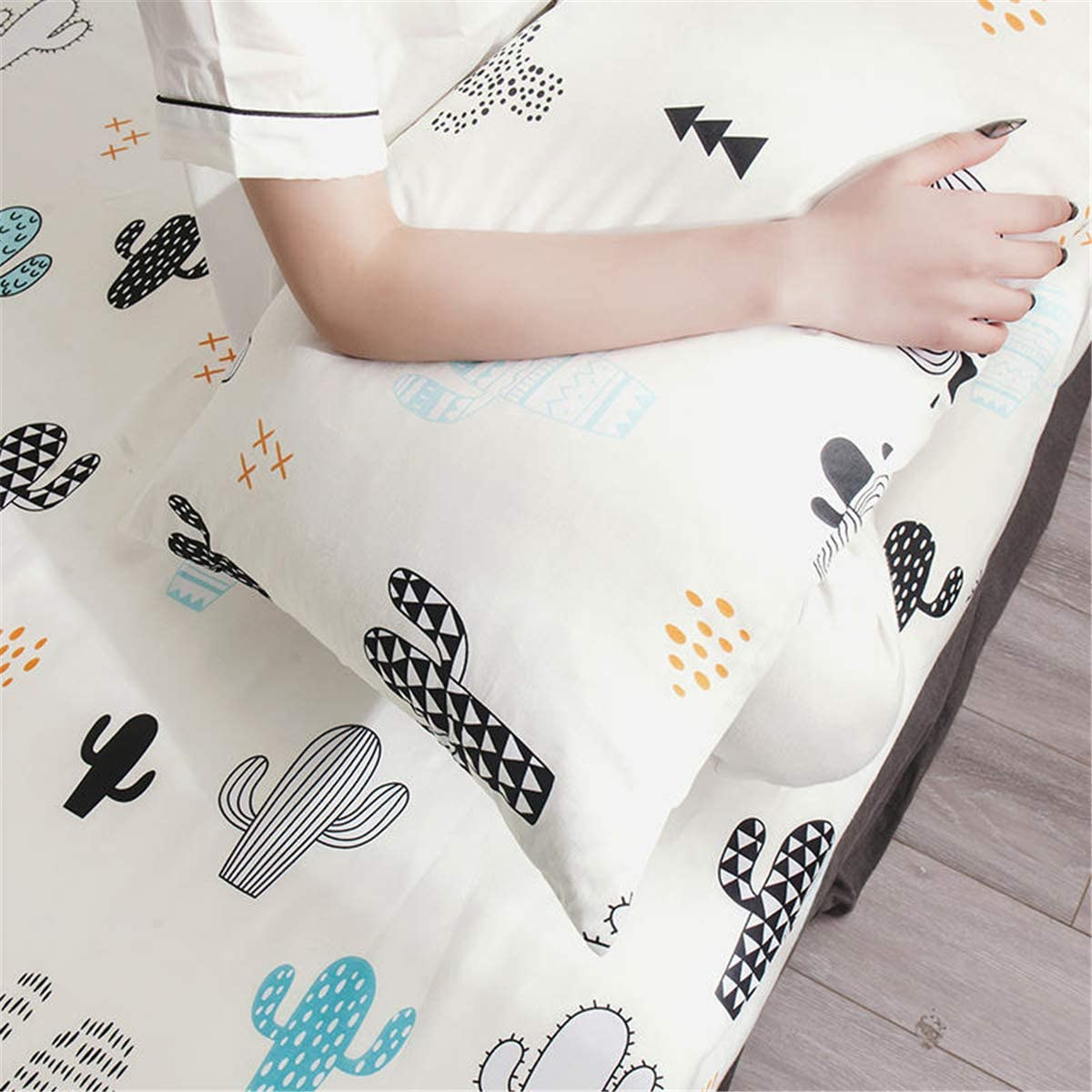 WINLIFE 100/% Cotton Pillowcases 600 Thread Count Kids//Toddler Printed Pillowcases Set of 2 Standard Size Animals