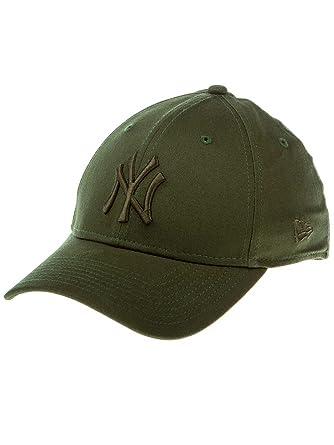 New Era 39THIRTY York Yankees Baseball Cap - MLB League Essential - Olive   Amazon.co.uk  Clothing f0254c261fe