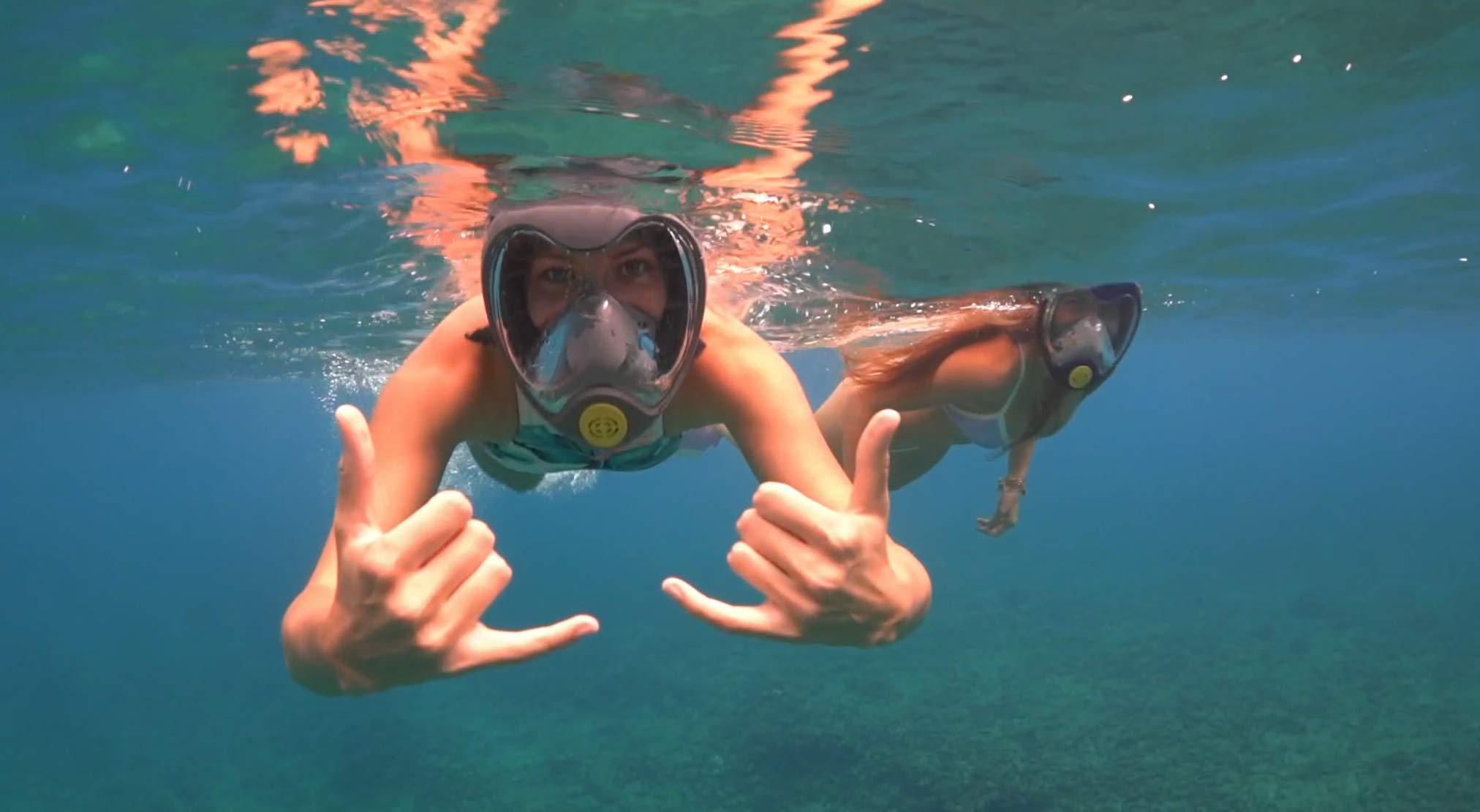 Batu Sight Full Face Snorkel Mask Natural Breath and Anti-Fog & Anti-Leak System with 180 Degrees Panoramic View - Underwater Camera Compatible for Adults and Kids with Complementary Beach Mat