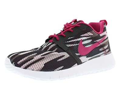 reputable site feaf1 8a7e6 Amazon.com  NIKE Rosherun Flightweight Boy s Shoes Size 7  Shoes
