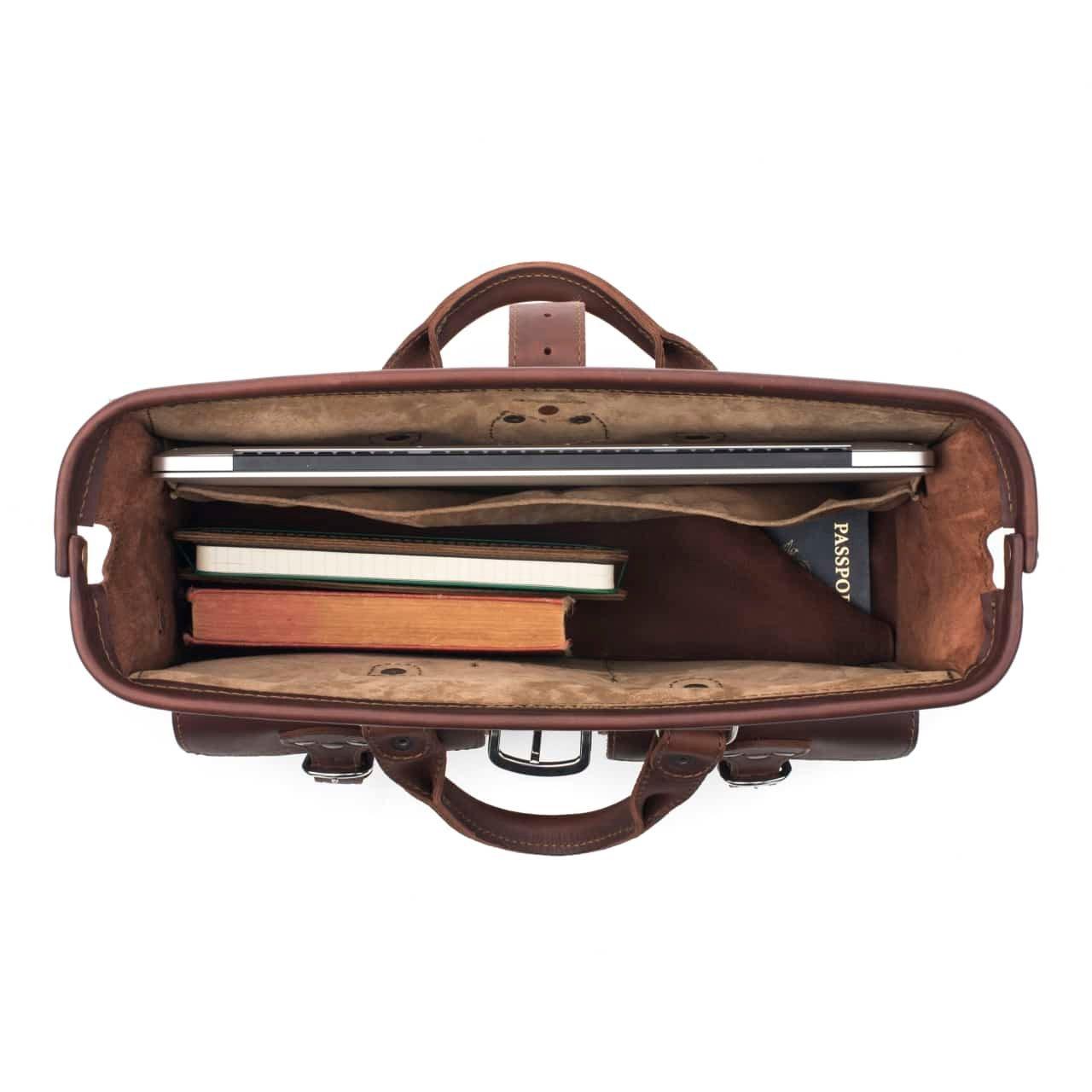 Saddleback Leather Co. Flight Bag 15-inch Full Grain Leather Expandable Laptop Briefcase for Men Includes 100 Year Warranty by Saddleback Leather Co. (Image #4)