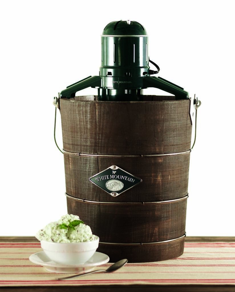 White Mountain PBWMIME412-SHP Appalachian Series Wooden Bucket 4-Quart Electric Ice Cream Maker by White Mountain (Image #4)