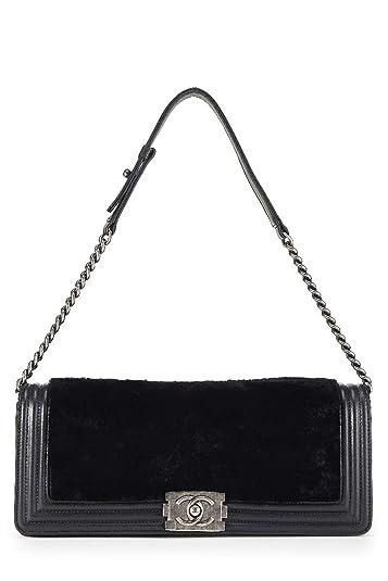 f111a74cef17 CHANEL Black Rabbit Fur Boy Clutch (Pre-Owned): Handbags: Amazon.com