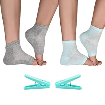 11373dfb3 Amazon.com   Moisturizing Gel Heel Socks for Dry Hard Cracked Skin Spa  Vented Stretchy Day Night Care Toe Open Comfy Recovery Socks Foot Treatment  2 Pairs ...