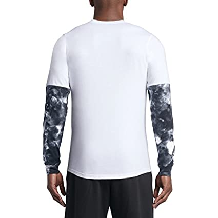 8085ccde77d Image Unavailable. Image not available for. Color: Jordan mens CLOUDED  NIGHTMARES ...