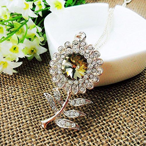 Beautiful Bead Golden Corn Chain Link Rhinestones Studded Chrysanthemum Pendant Necklace for Sweater Decoration(1Pcs) ()