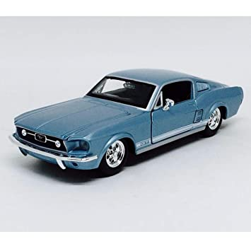 Maisto 31260 - Ford Mustang GT 67, surtido: colores aleatorios