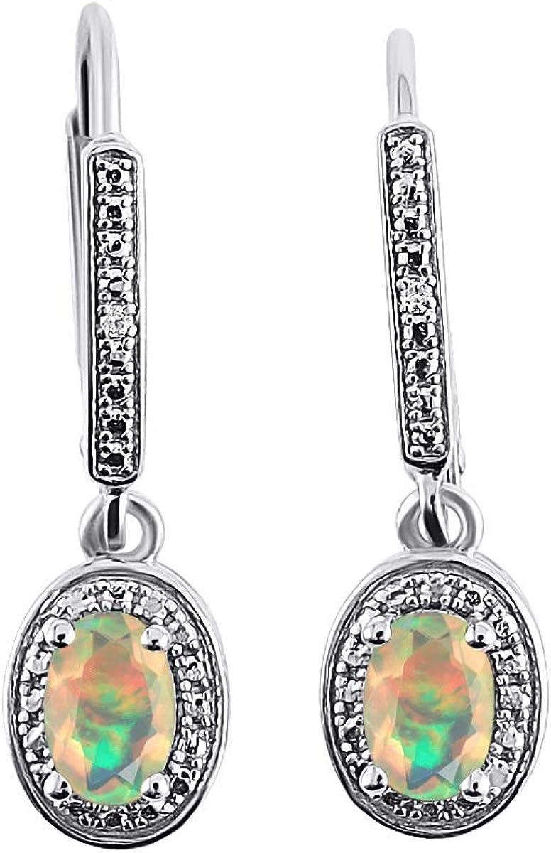 Pendientes de diamante y ópalo africano en oro blanco de 14 quilates - piedra natal de octubre, diseño de halo