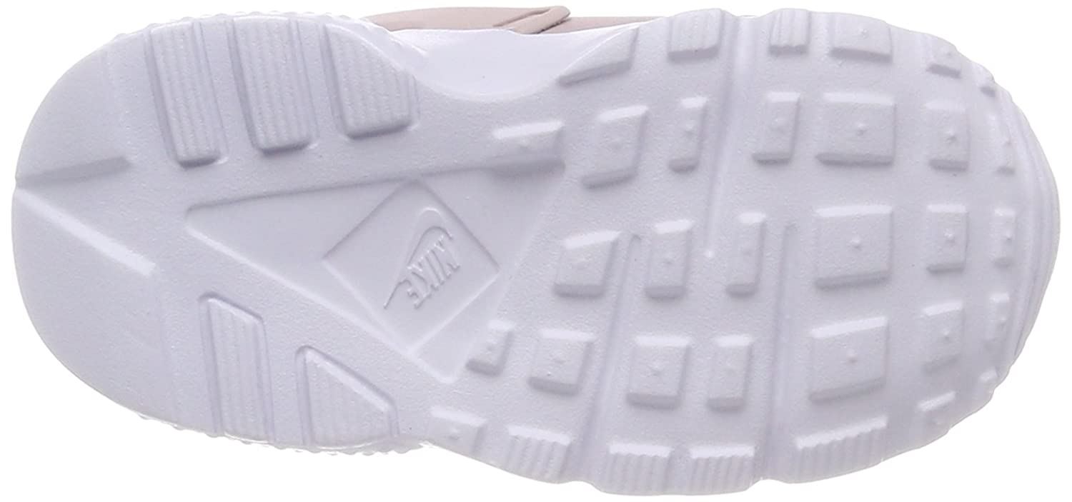 63a4fdb613f Amazon.com  NIKE Huarache Run (TD) Girls Fashion-Sneakers 704952  Shoes