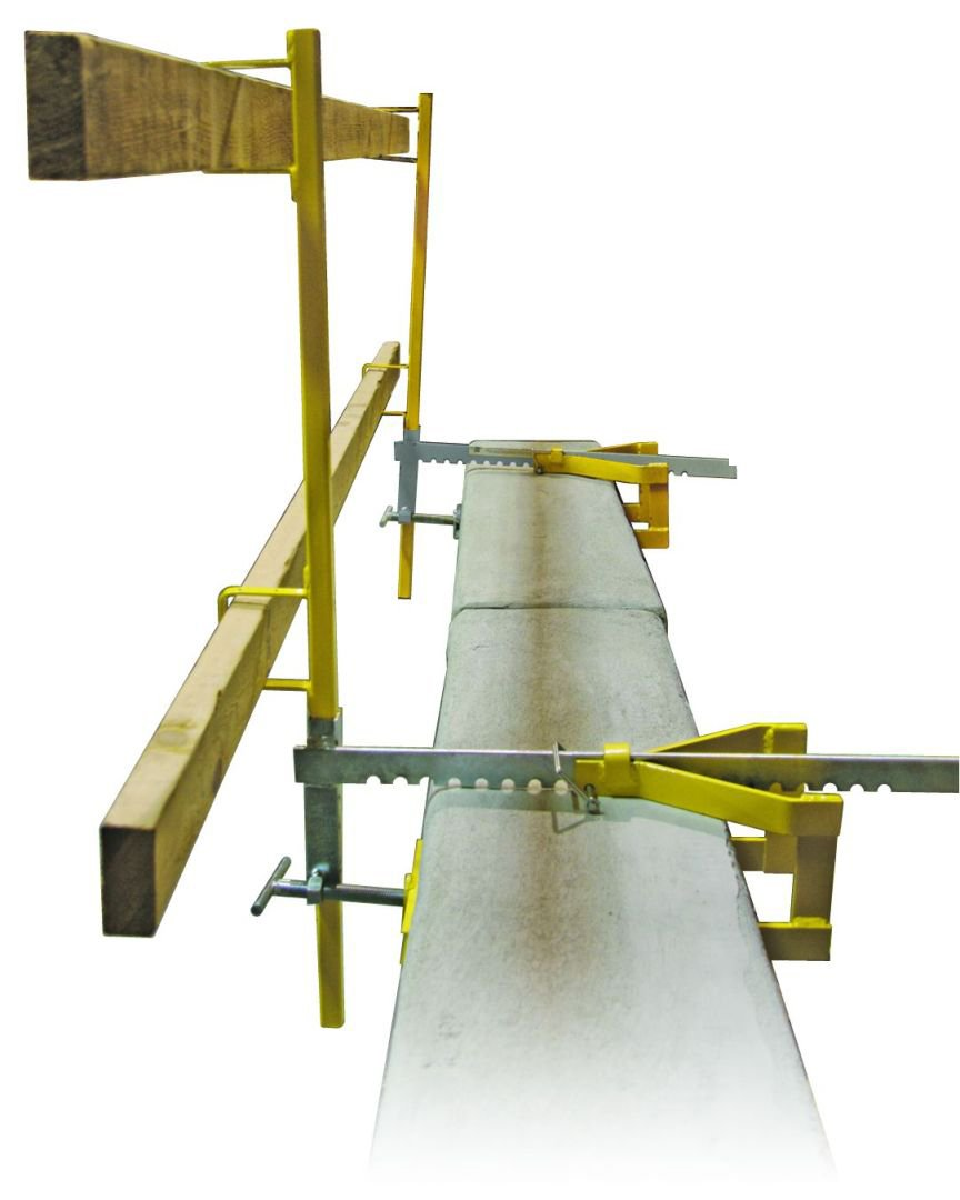 Guardian Fall Protection 15170 Parapet Clamp Guardrail with 1 Bracket and 1 Post