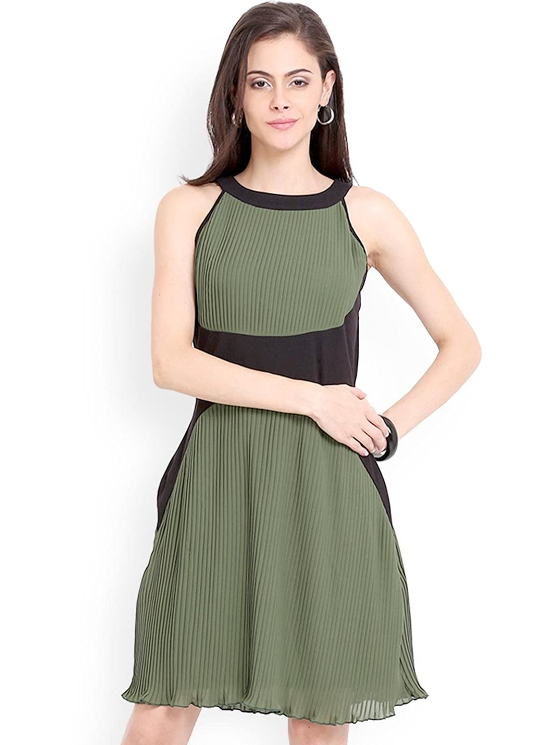 Women's Green Polyester Solid Sleeveless Casual Skater Dress