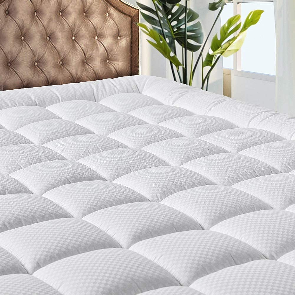MATBEBY Bedding Quilted Fitted King Mattress Pad Cooling Breathable Fluffy Soft Mattress Pad Stretches up to 21 Inch Deep, King Size, White, Mattress Topper Mattress Protector