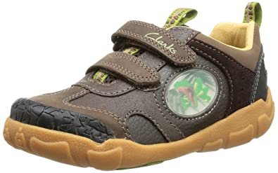 b6f8afb5e88915 Clarks Childrens StompoJaw Inf Brown Leather Child UK 8 G  Amazon.co ...