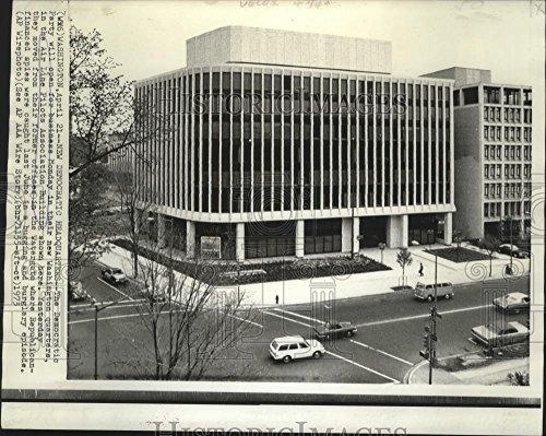(Vintage Photos Historic Images 1973 Press Photo Home Democratic Headquarters at Washington, D.C. - 8.25 x 10.25 in)