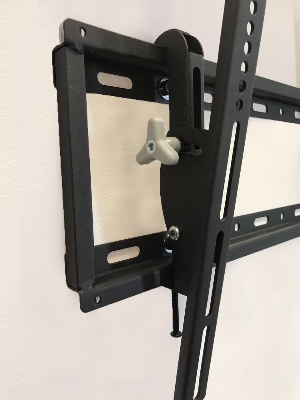 AXXIS MEDIUM TV MOUNT - TILTING Low Profile TV Wall Mount Bracket for 32-55 inch TVs - Up to 15 Degrees of Tilt for LED, LCD, OLED & Plasma Flat Screen TVs with VESA patterns to 400 x 400