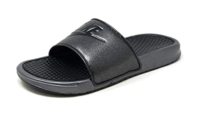 sports shoes 4cdcd 97e4b Amazon.com   Nike Women s Benassi JDI Metallic QS Sandal   Sport Sandals    Slides