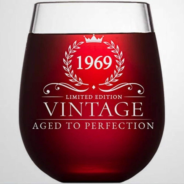 Regalo de 50 cumpleaños para mujeres y hombres que giran 50 años de edad, vintage 1969, copa de vino divertida sin tallo, copa de vino grabada con láser, vaso de chupito personalizado, 445 ml