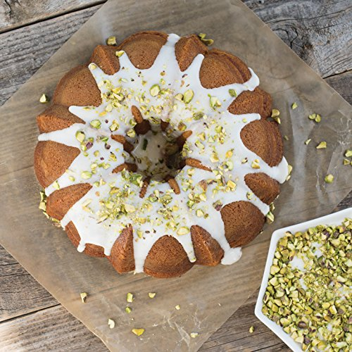 Nordic Ware 50077 Anniversary Bundt, 12 Cup, Gold by Nordic Ware (Image #4)
