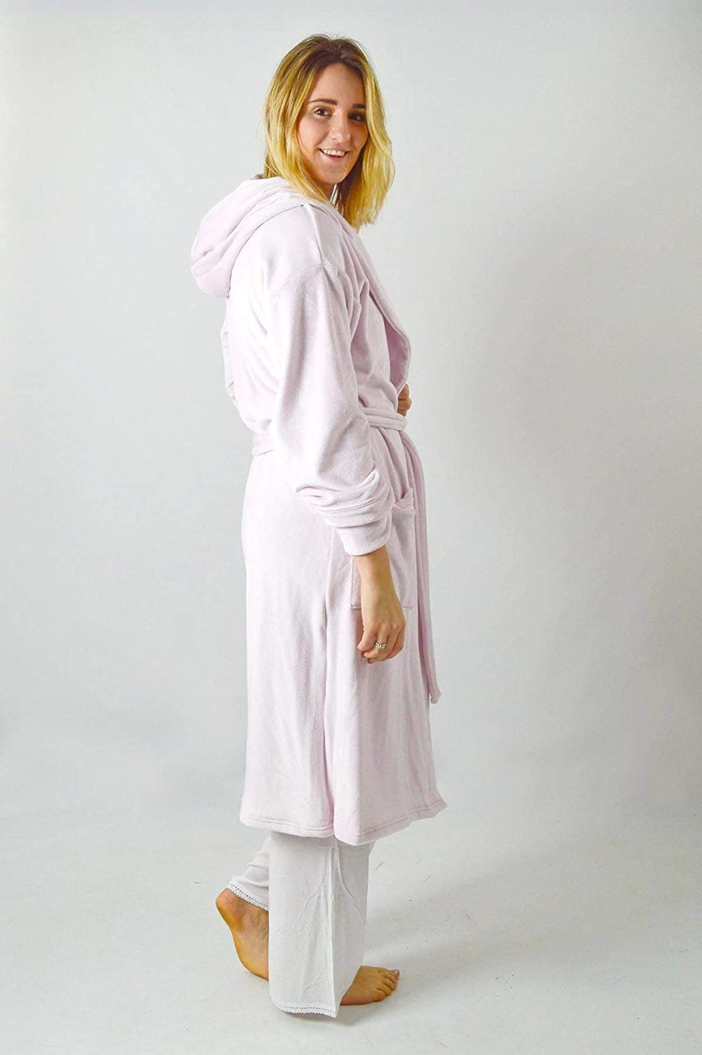 Ex Marks   Spencer Pale Pink Shimmersoft Velour Fleece Ladies Dressing Gown   Amazon.co.uk  Clothing 1746d19d0